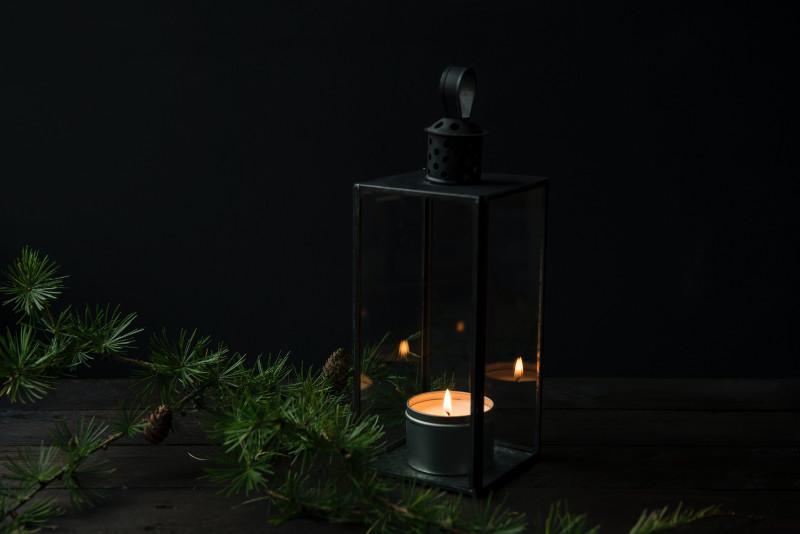 Laternen als feuerfeste Dekoration auf deinem eigenen Weihnachtsmarkt